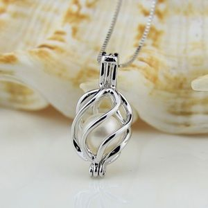 Jewelry - Pretty Pearl in a Silver Cage comes with Chain
